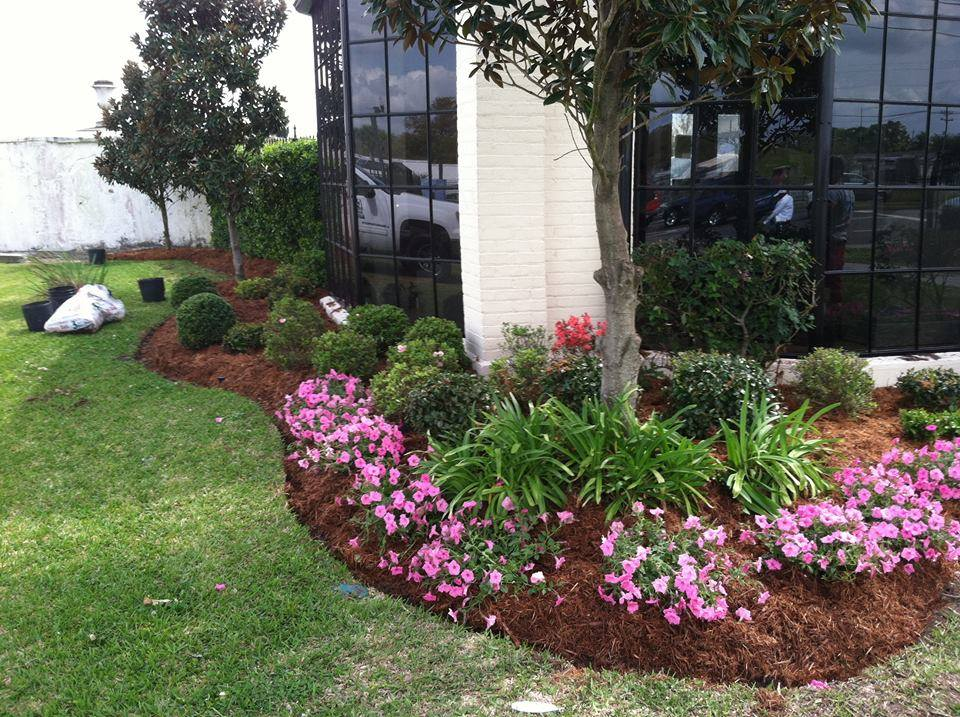 commercial mulch installation Belle Chasse